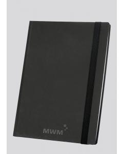 Smart-Book A4 in neuem Look mit mattschwarzem Cover und Gummiband-Verschluss und MWM-Prägung